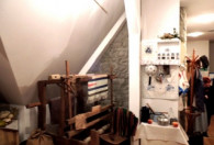 Zdjęcie przedstawia urządzenie do produkcji makatek